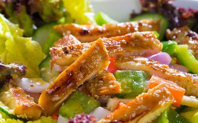 Ensalada de pollo agridulce