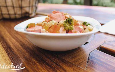 Salchichas entomatadas con verduras