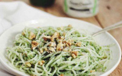 Spaghetti de arroz cremosos y al pesto