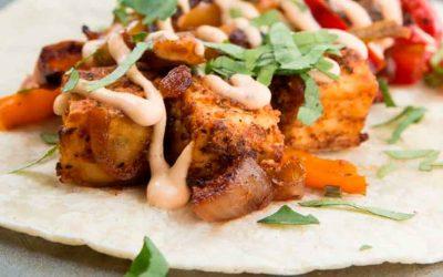 Taco con tofu crujiente al estilo tikka masala