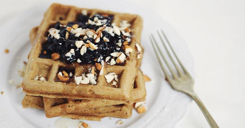 Waffles veganos de harina integral